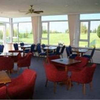 Trent Furniture transforms golf clubhouse