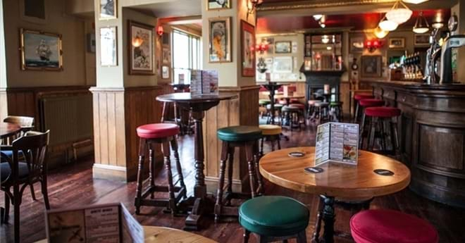 Pub Furniture For Sale Pub Tables Amp Chairs From 163 17 90
