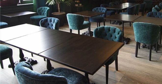 Sofas For Cafes And Bistros Chesterfield Leather More - Table and chair design for restaurant